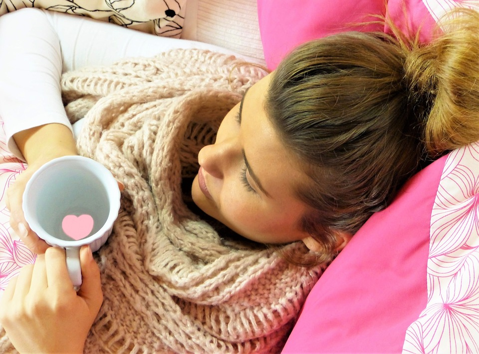 girl-in-bed-heart-mug